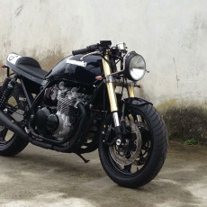 Faves: Zephyr (ZR750) Cafe Racer from DVGAS