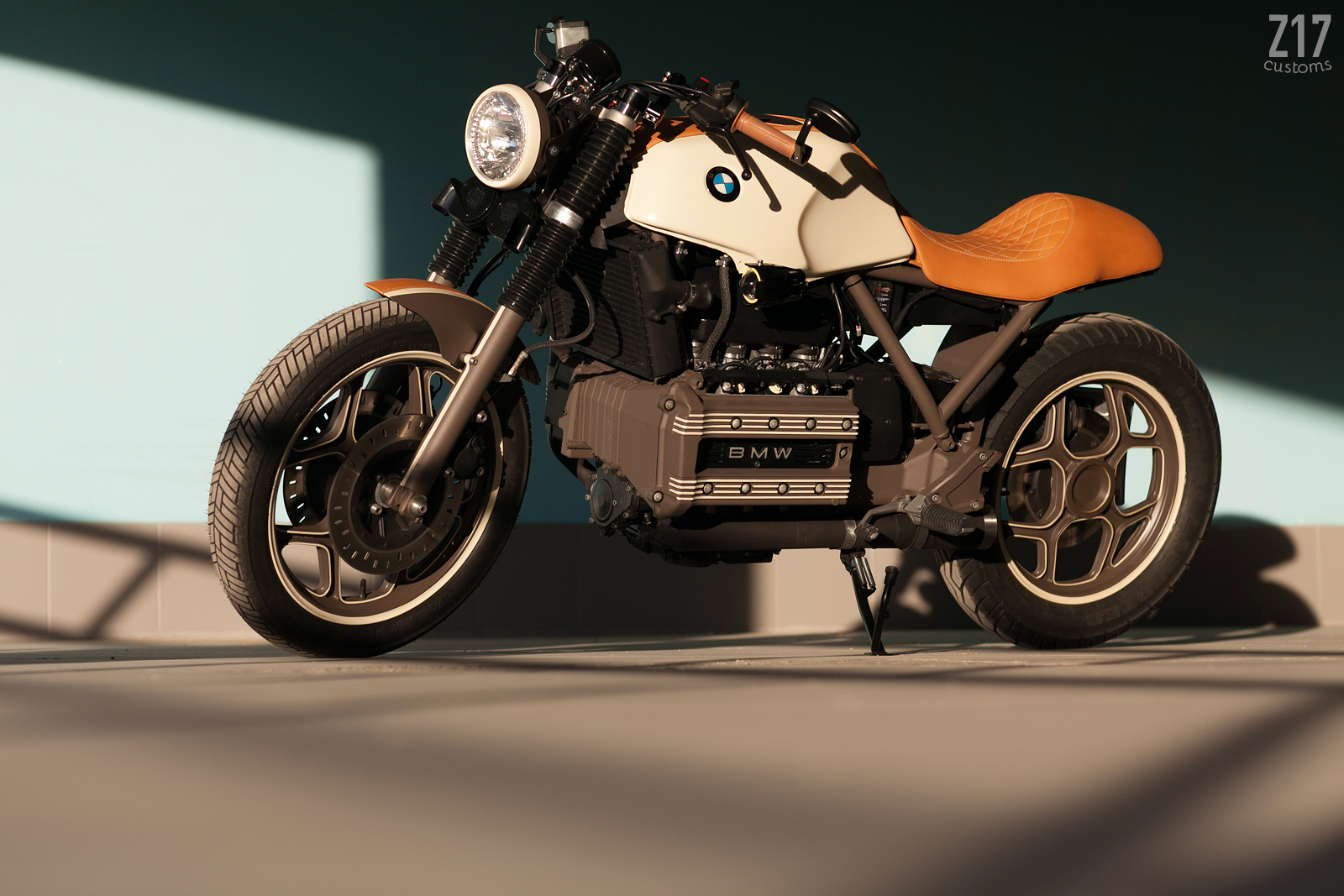 bmw k100 cafe racer by z17 customs bikebound. Black Bedroom Furniture Sets. Home Design Ideas