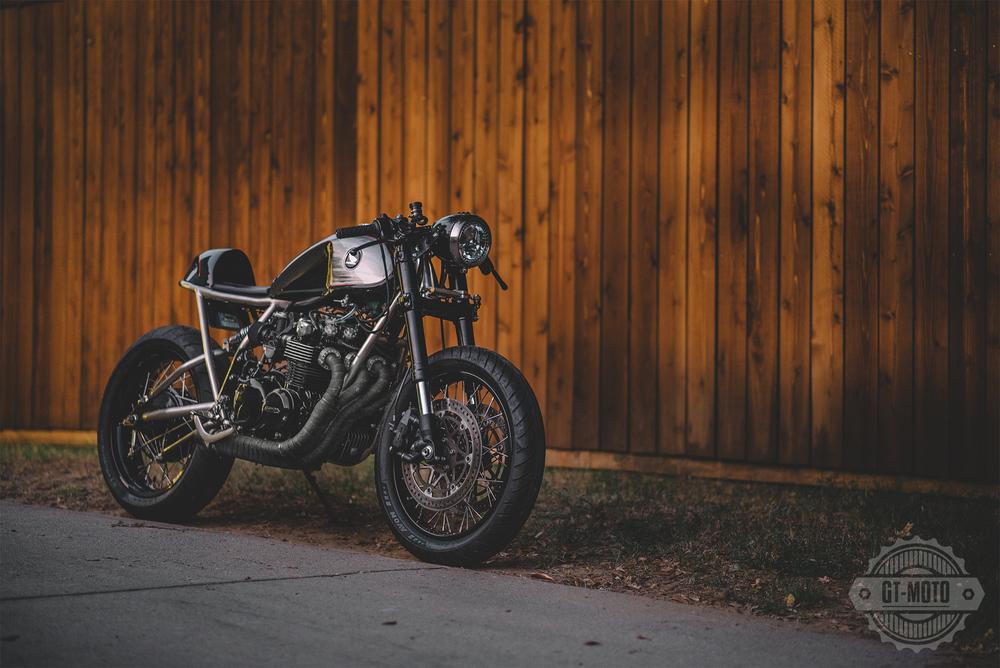 Honda-CB550-Cafe-Racer-GT-Moto-2