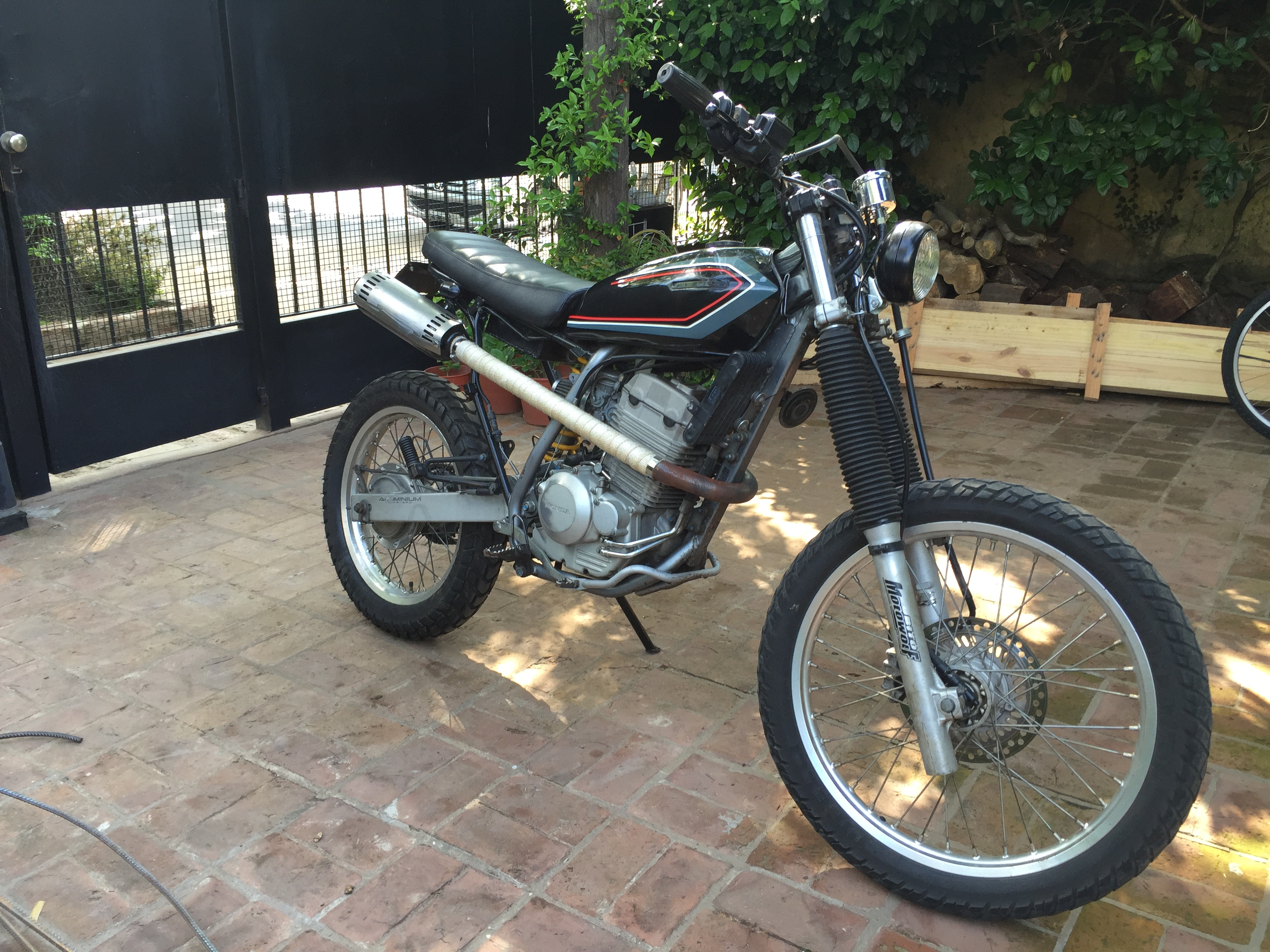 Honda XR250 Tracker