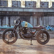 Suzuki GS450 Cafe Racer by Wrench Kings