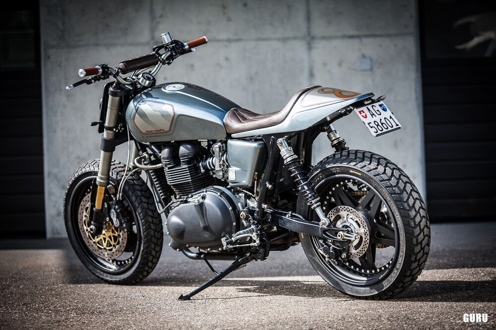 Thruxton Tracker