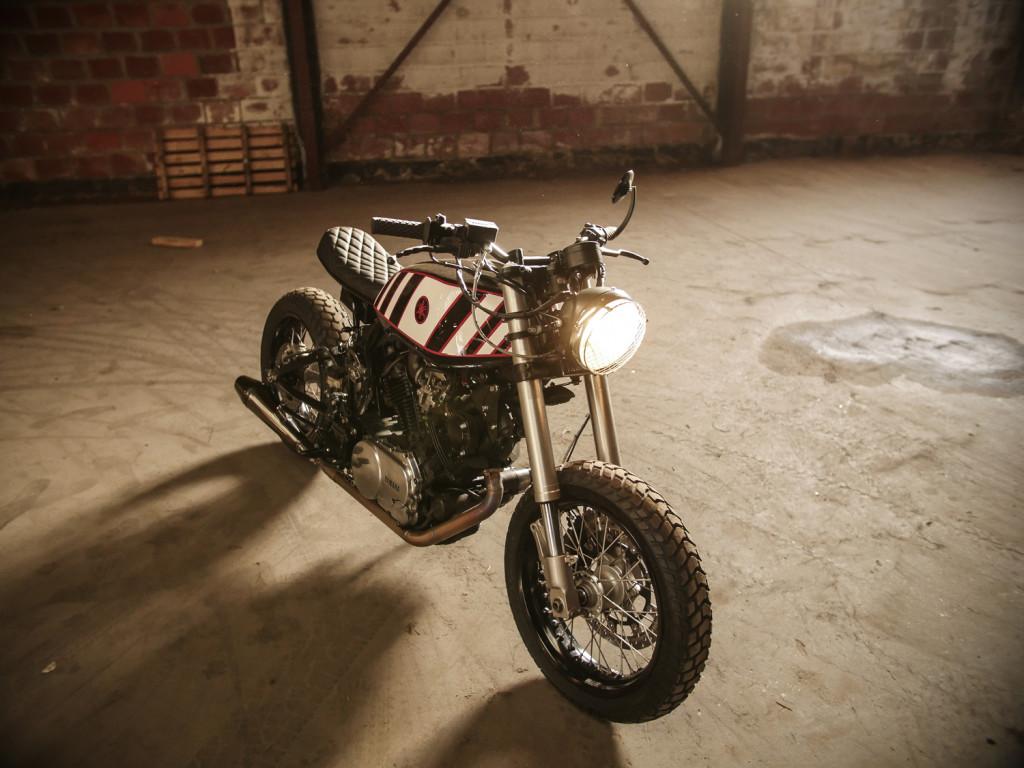 Yamaha-TR1-Scrambler-Moto-Adonis-2