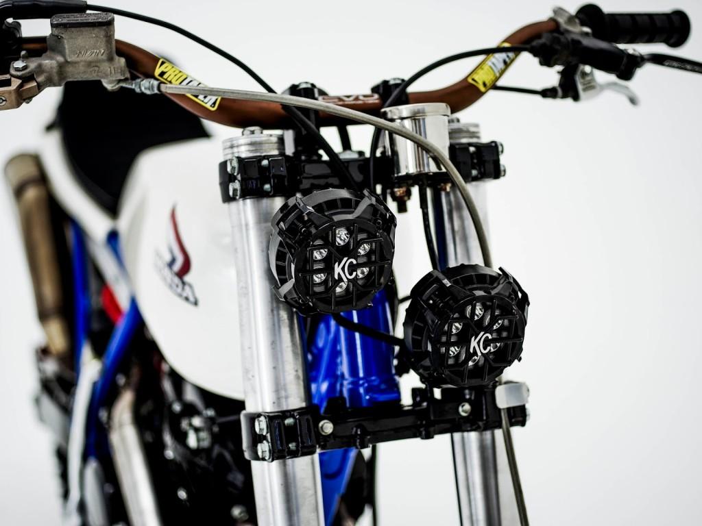 honda xr600 tracker by herencia custom garage bikebound. Black Bedroom Furniture Sets. Home Design Ideas