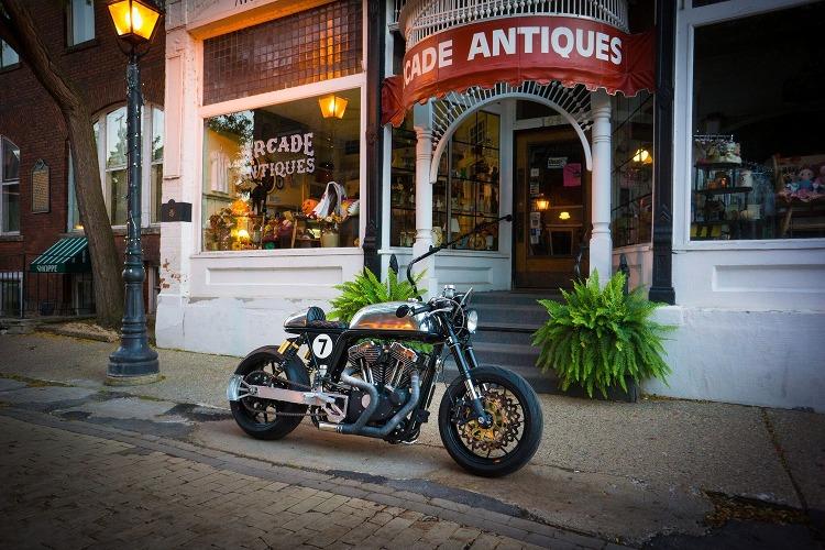 Harley-Sportster-Cafe-Racer-7