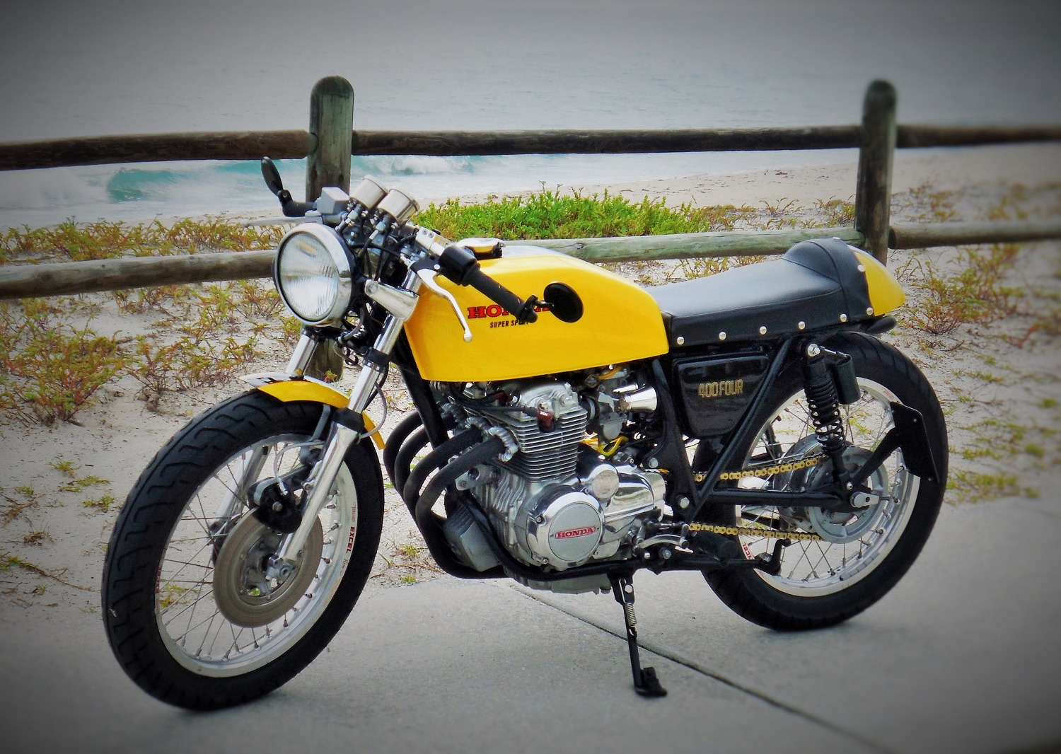 Honda CB400F Cafe Racer by OtC Custom – BikeBound