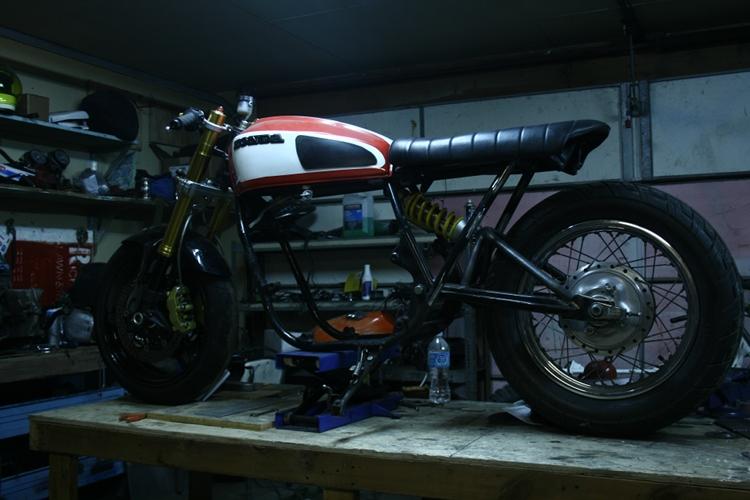 Honda-CB750-Monoshock-5
