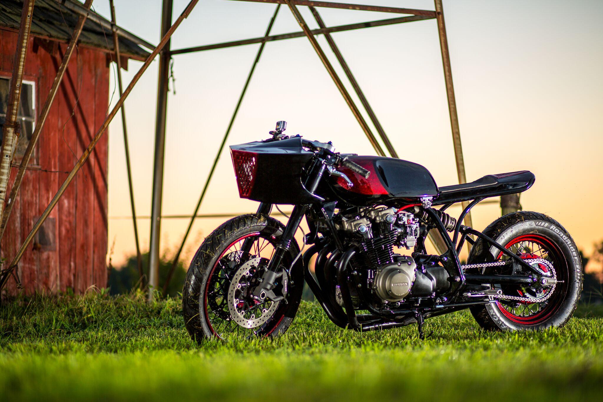 Monoshock CB750 Cafe Racer by Andrew Wales – BikeBound