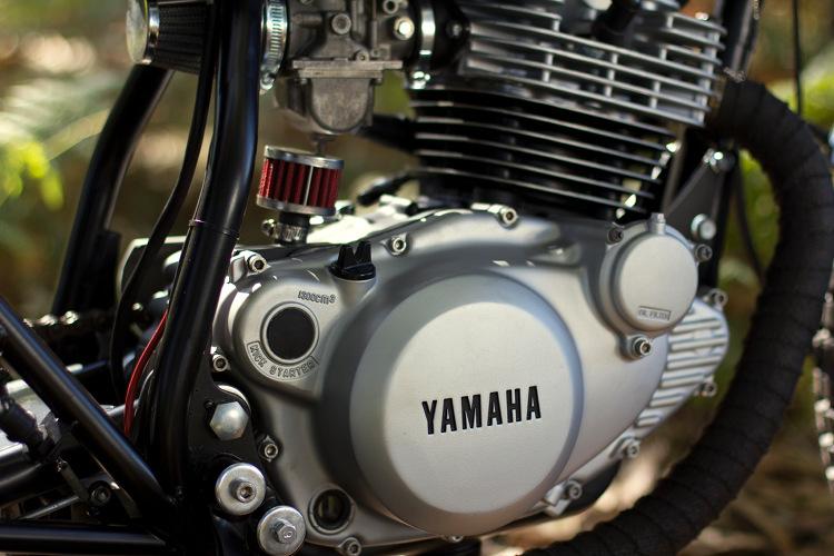 Yamaha-SR250-Scrambler-3