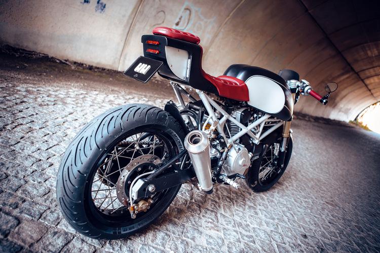 Ducati-Monster-600-Cafe-Racer-1