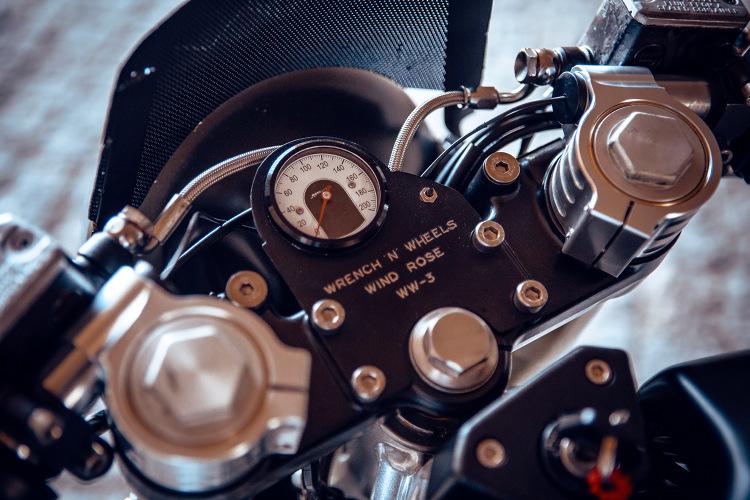 Ducati-Monster-600-Cafe-Racer-10