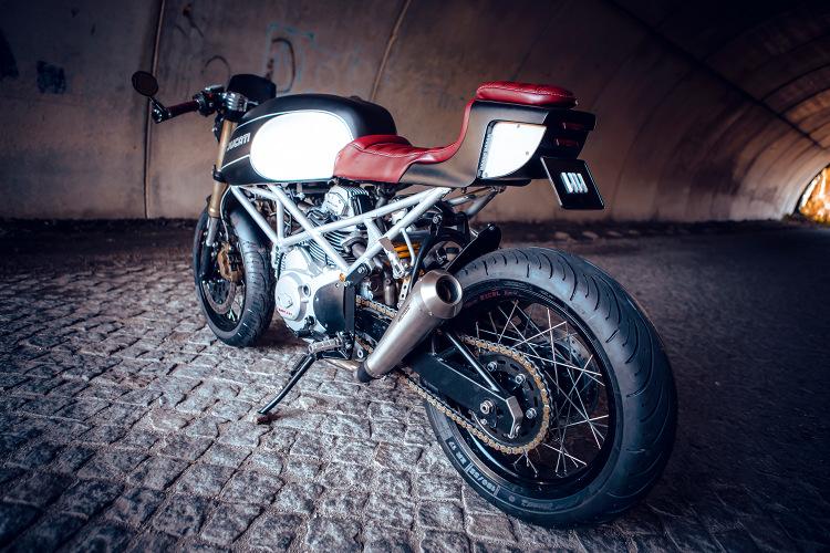 Ducati-Monster-600-Cafe-Racer-6