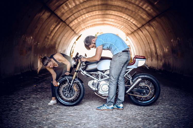 Ducati-Monster-600-Cafe-Racer-9