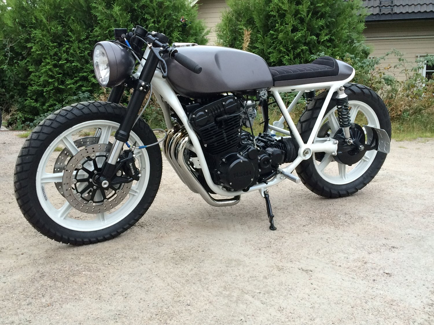 Yamaha XS850 Cafe Racer by Therapy Moto – BikeBound on