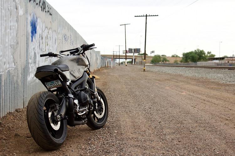 Yamaha-FZ-09-Street-Tracker-2