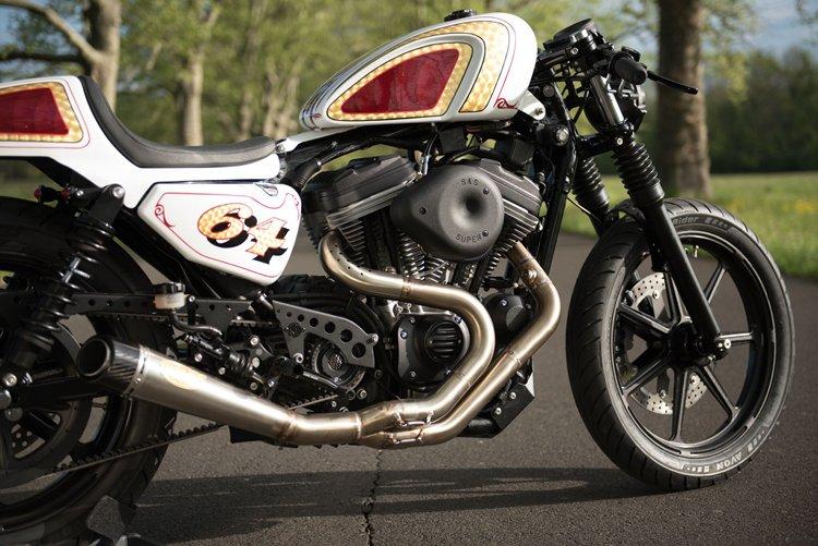 883-Sportster-Cafe-Racer-11