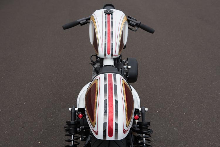 883-Sportster-Cafe-Racer-7