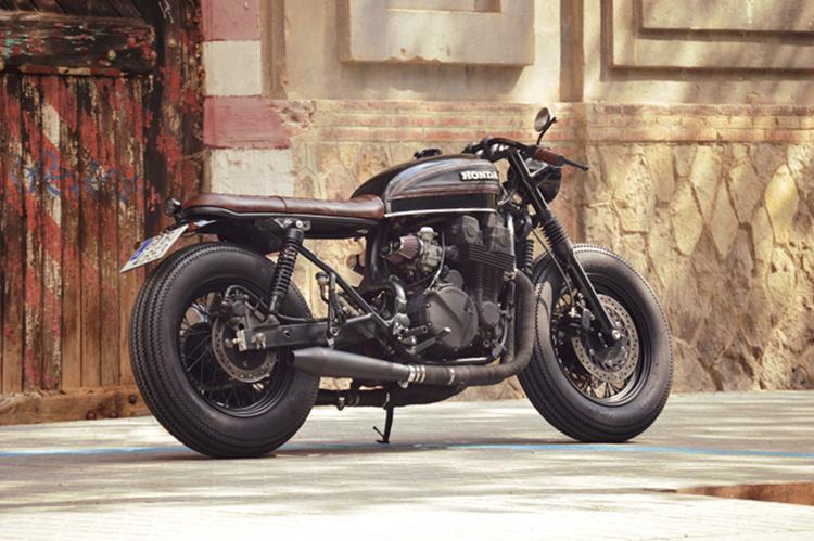 Honda-CB750-Nighthawk-Cafe-Racer-1