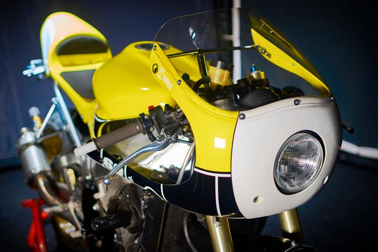 Yamaha-R1-Cafe-Racer-2