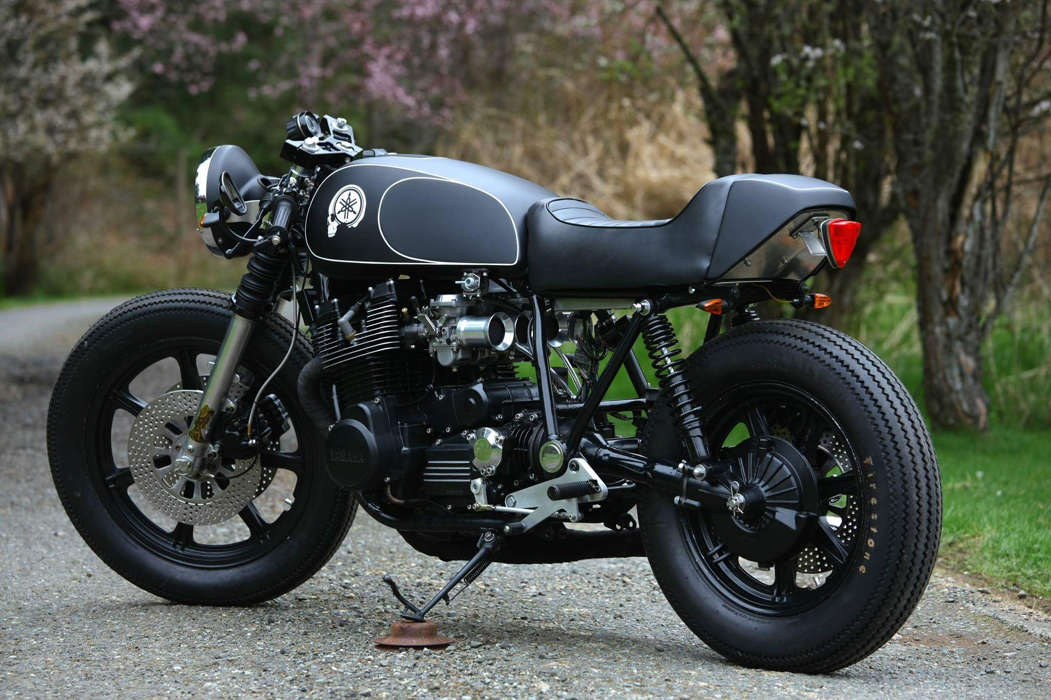 At 603 pounds wet, the XS1100 was more of a muscle bike than sport bike, but still succeeding in winning a host of endurance races — particularly in ...