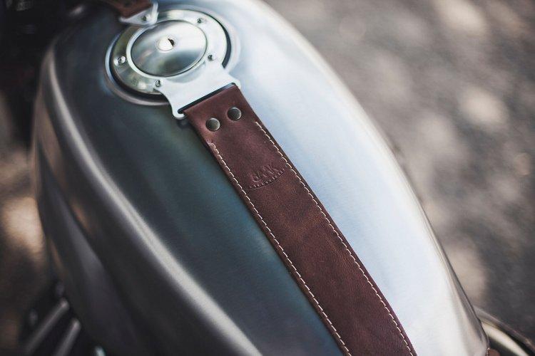 Moto-Guzzi-V7-Scrambler-1