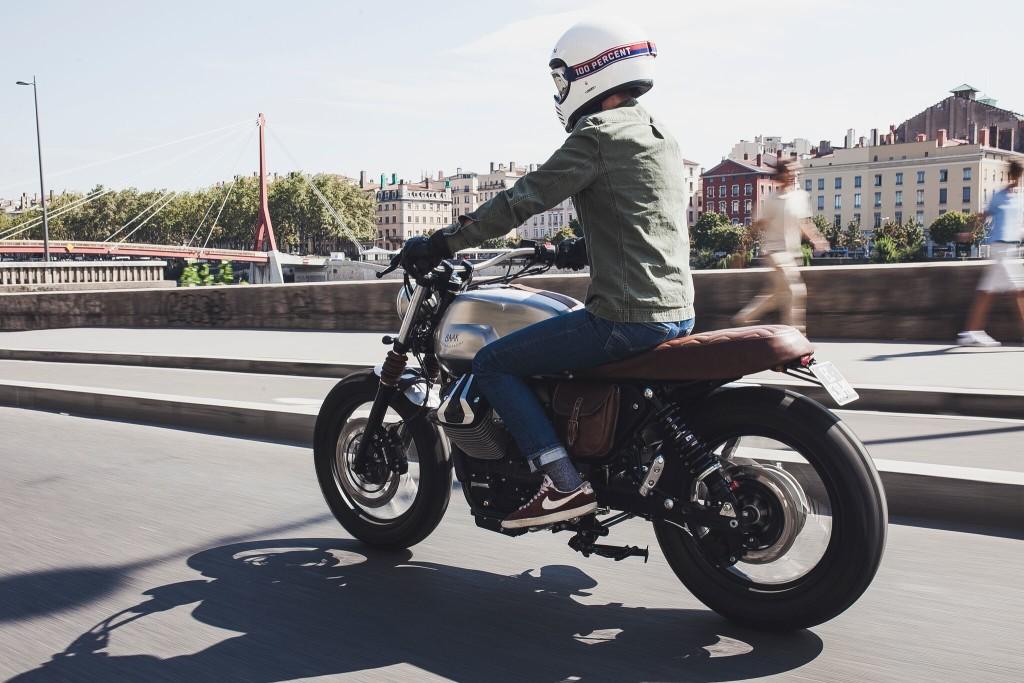 Moto-Guzzi-V7-Scrambler-11