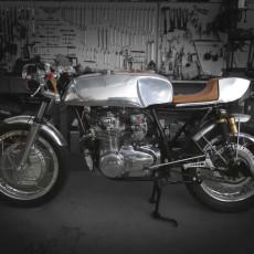 Honda CB550 Cafe Racer by Macchina Salvobros