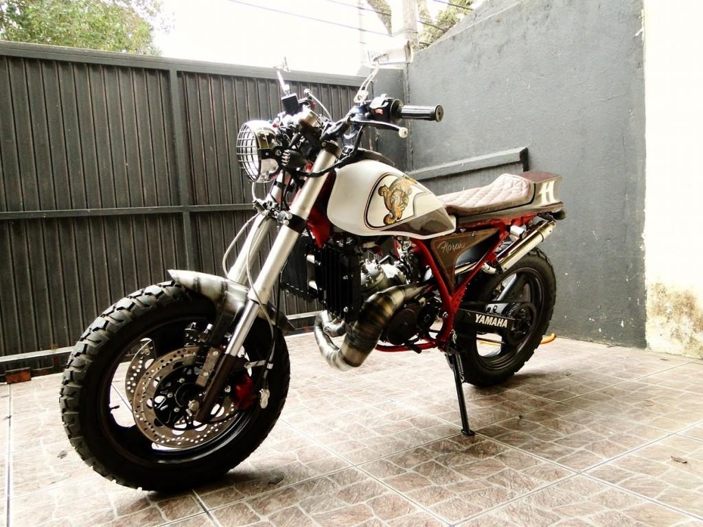 Yamaha DT180 Street Tracker