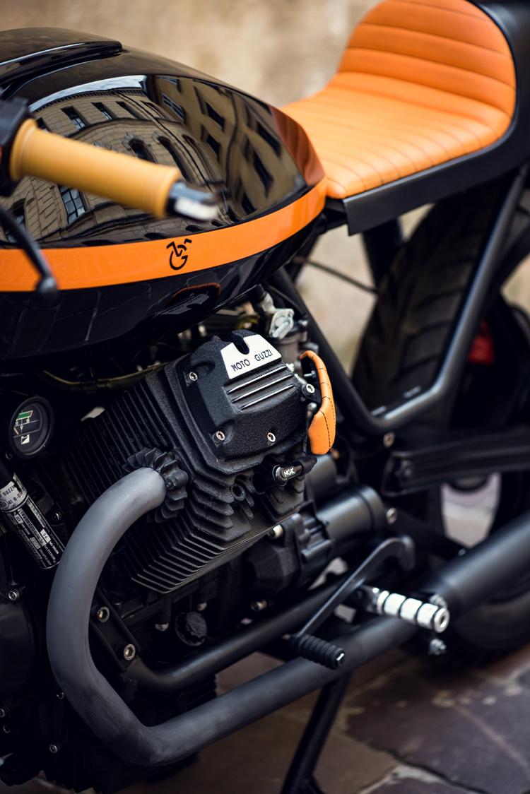moto guzzi v65 cafe racer by ventus garage bikebound. Black Bedroom Furniture Sets. Home Design Ideas