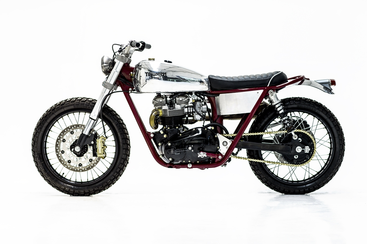Now The Dynamic Duo Is Back With A 1979 Triumph T140 Scrambler And Shes Knockout If You Dont Know Was Second Generation Of
