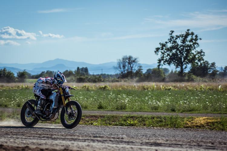 Yamaha-WR400-Tracker-16