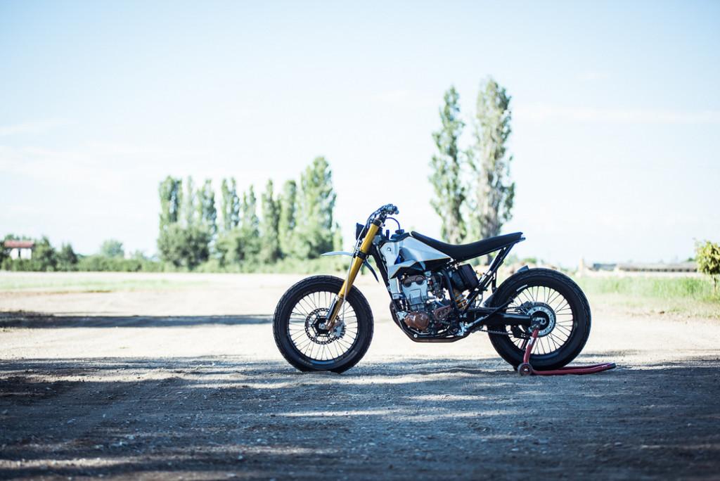 Yamaha-WR400-Tracker-19