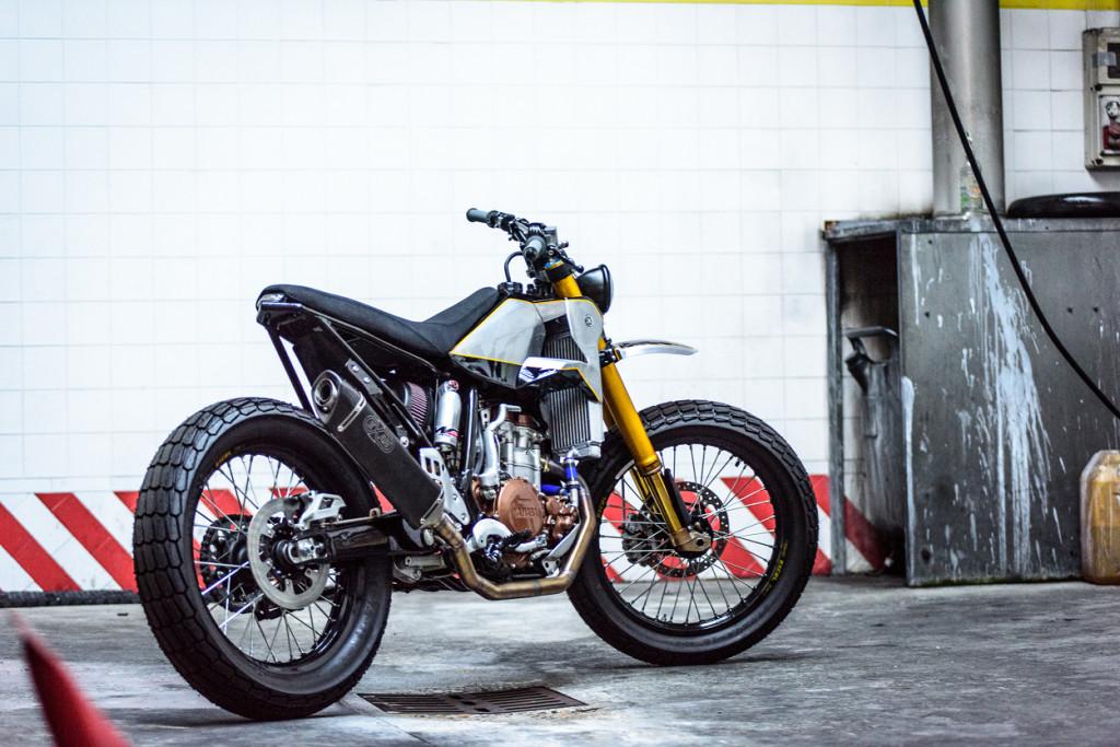 Yamaha WR400 Tracker