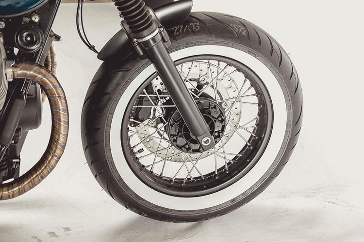 Moto Guzzi V7 Custom