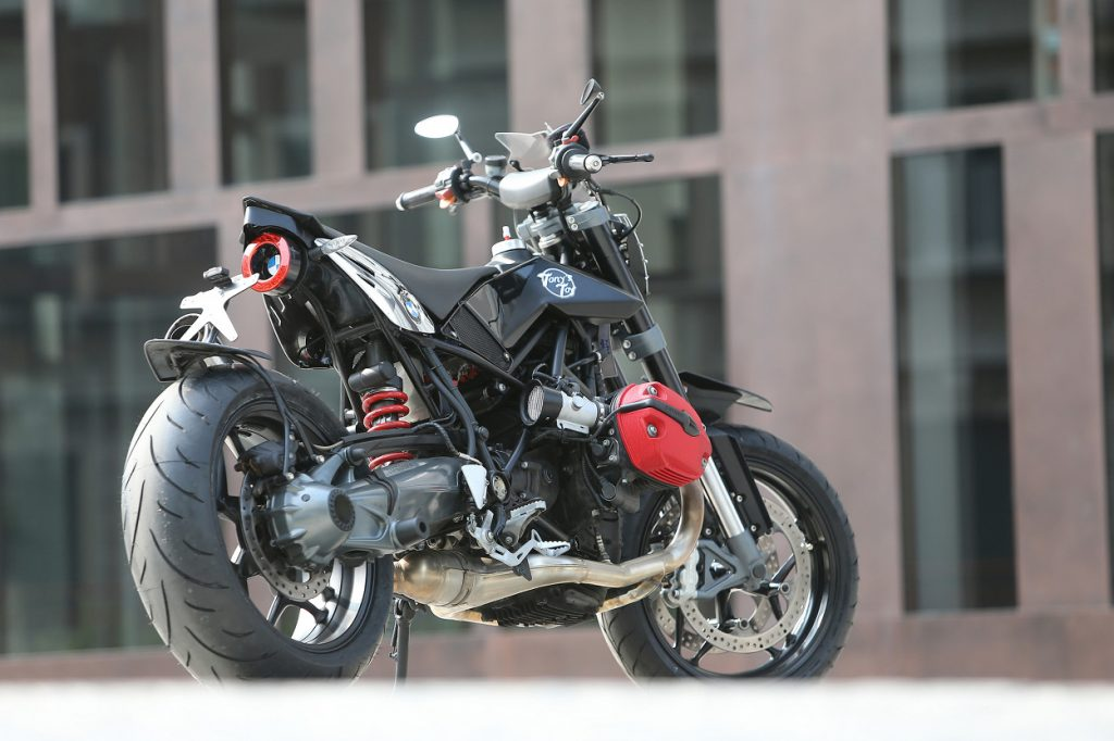 BMW R1200 Supermoto