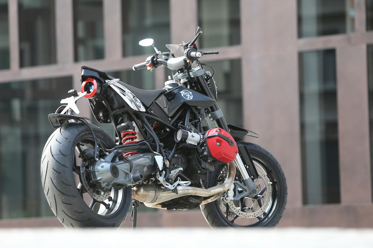 Bmw R1200 Supermoto By Tony S Toy Custom Motorcycles Bikebound