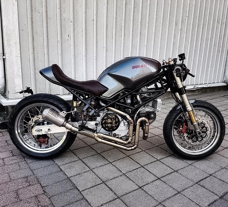 Ducati Monster 900 Cafe Racer