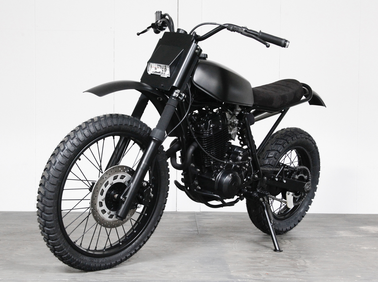 yamaha xt600 desert sled by pancake customs bikebound. Black Bedroom Furniture Sets. Home Design Ideas