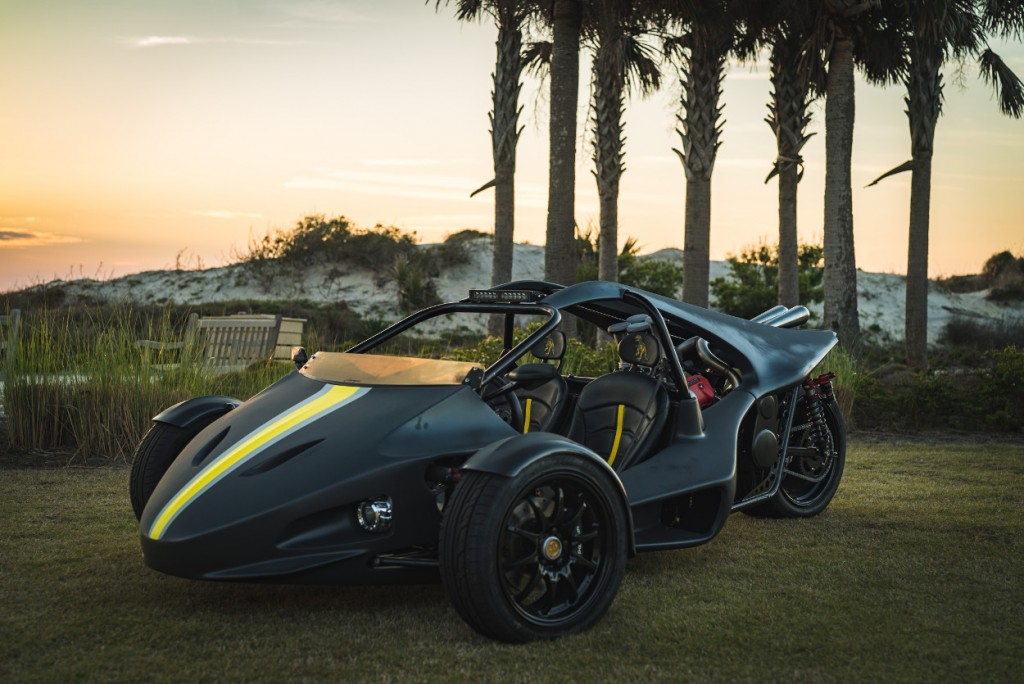 "Motus-Powered ""T-RARRI"" by Fuller Moto"
