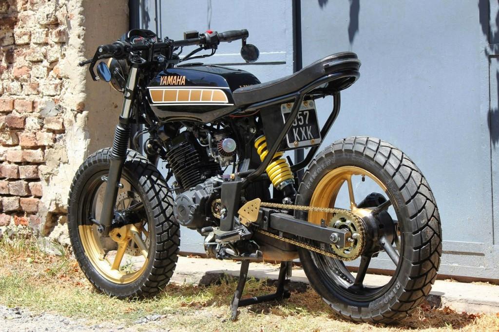 Yamaha FZ16 Street Tracker