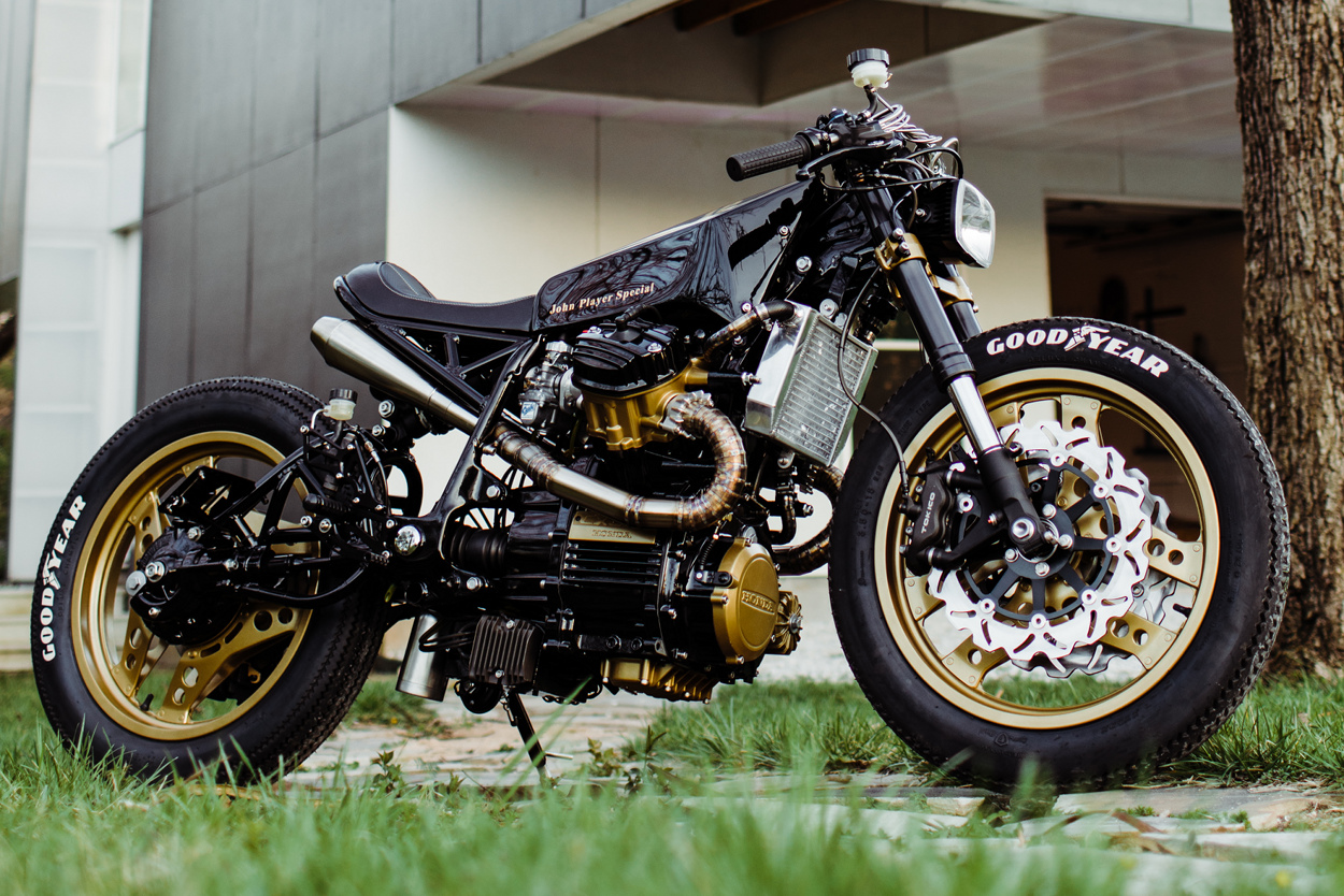 honda cx650 cafe racer by one up moto garage bikebound. Black Bedroom Furniture Sets. Home Design Ideas