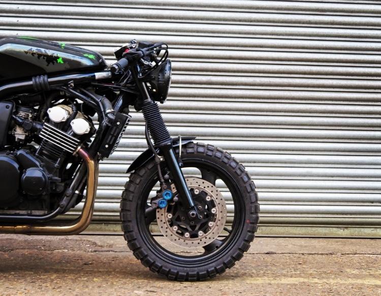 Yamaha Fazer 600 Custom