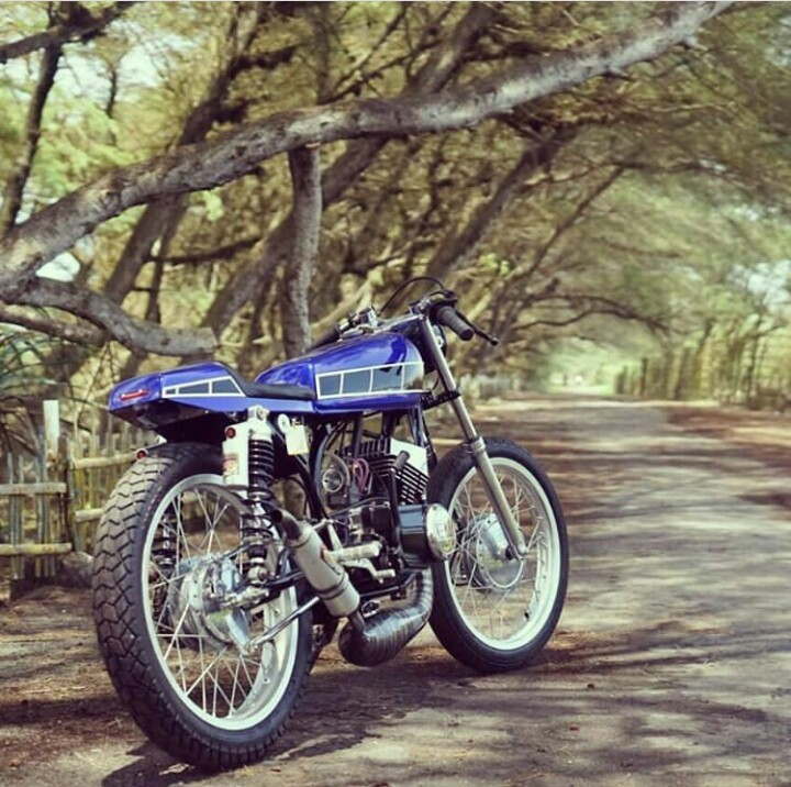 Yamaha RX 115 Cafe Racer by Yohansuper – BikeBound