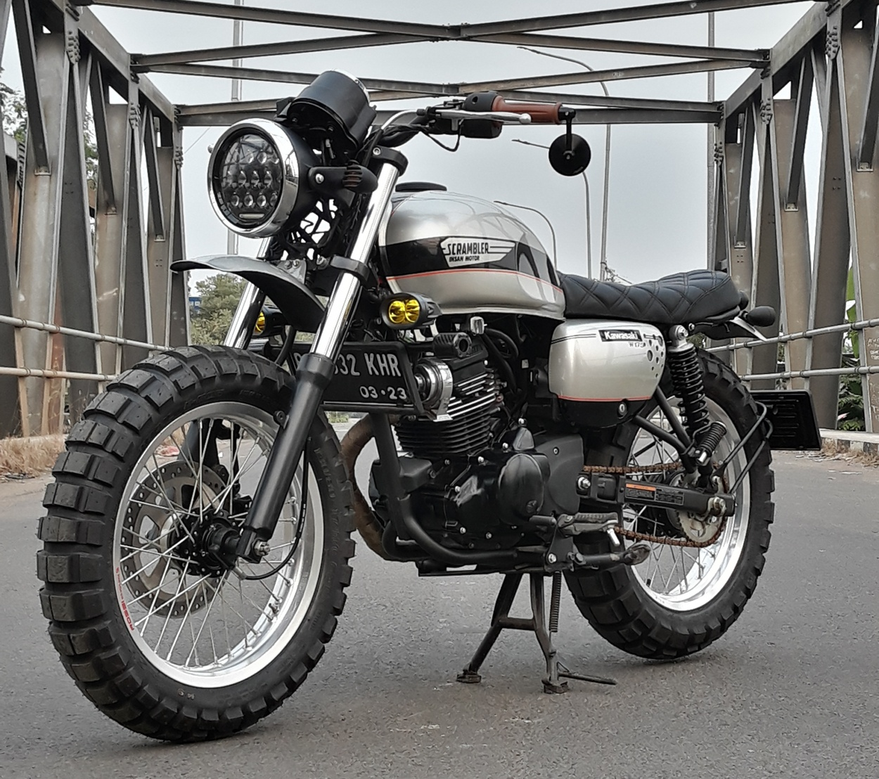 Kawasaki W175 Scrambler By Insan Motor Bekasi Bikebound