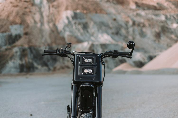 Here is the #AG01 the first custom-built bike by @asphaltandgravel.