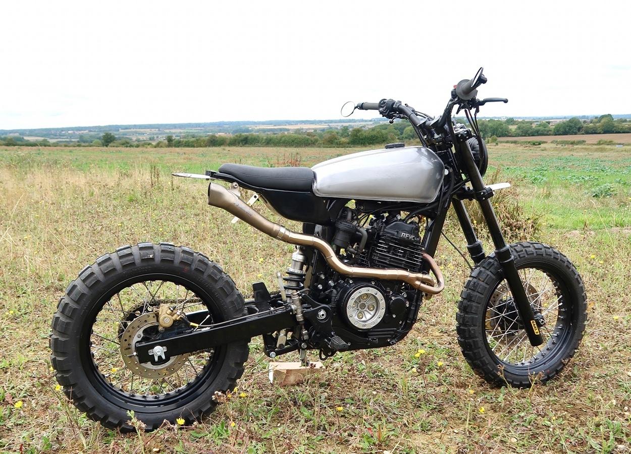 honda slr650 by thornton hundred motorcycles bikebound. Black Bedroom Furniture Sets. Home Design Ideas
