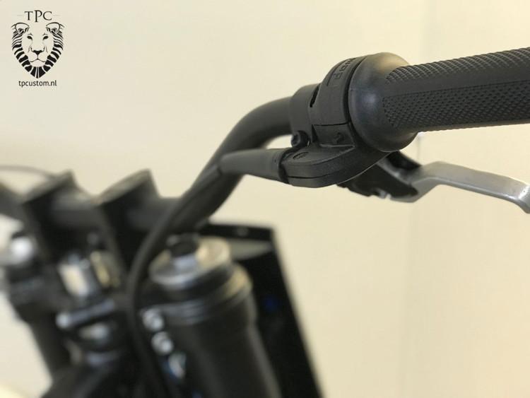 Suzuki DR650 Tracker