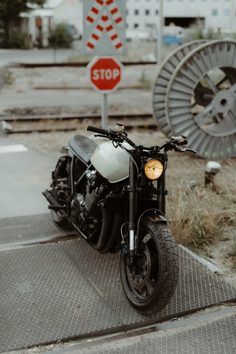paris muscle yamaha xjr1300 custom by modification motorcycles bikebound. Black Bedroom Furniture Sets. Home Design Ideas