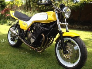 Honda CB900F Muscle Bike
