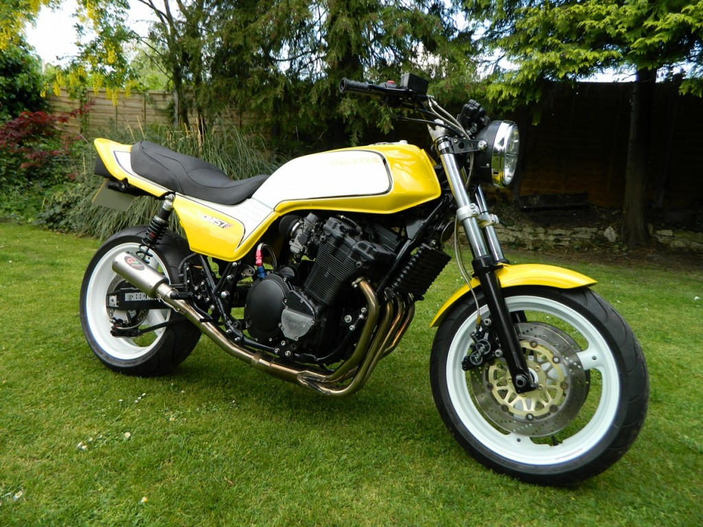 Honda CB900F Muscle Bike